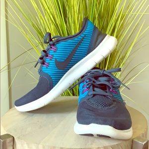 Nike Free Running shoe blue size 7